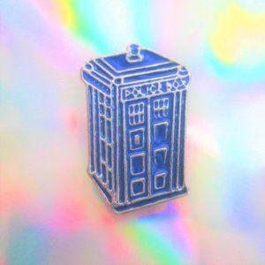 Jewelry - nwot tardis police box enamel pin geek jewelry